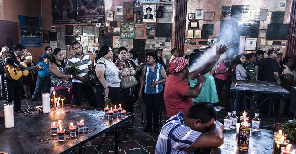 La capilla de Maximón en San Andrés Itzapa contabilizó muchas más visitas que el centro de votación.