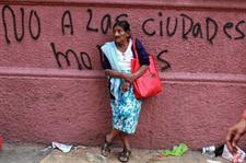 En tensión. Mientras unos apuestan por el modelo de las RED, otros se oponen al sistema. Fotografía de Agencia EFE.