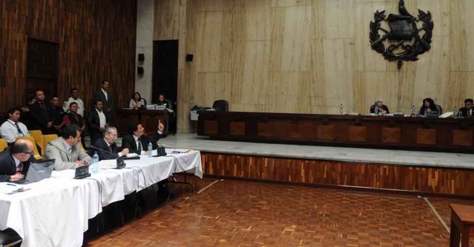 El tribunal pide a García Gudiel que abandone la sala.
