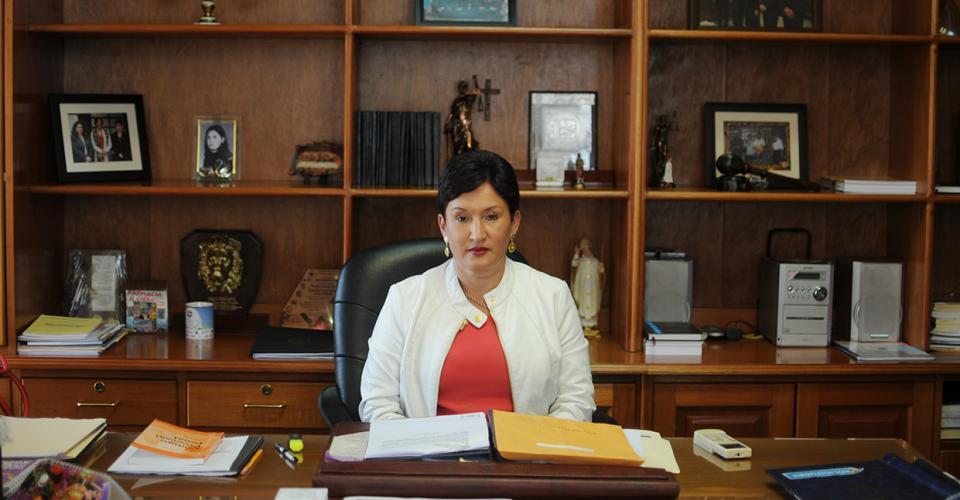 El despacho de Thelma Aldana está lleno de símbolos que reflejan su personalidad, su ideología política, su historia y sus sensibilidades.