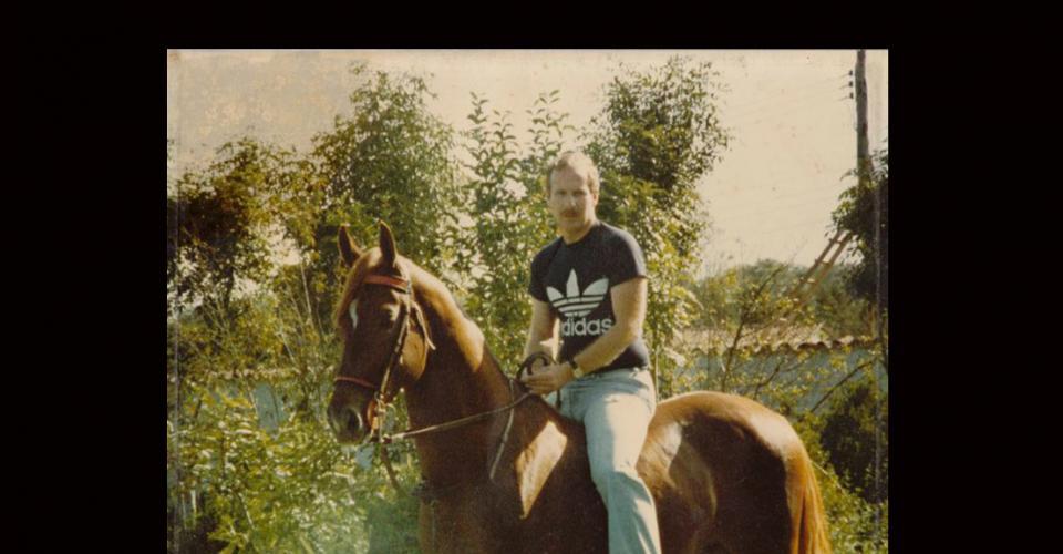 Arzú montando a Tolimán, un caballo que crió desde pequeño y al que indica, jamás le puso silla.