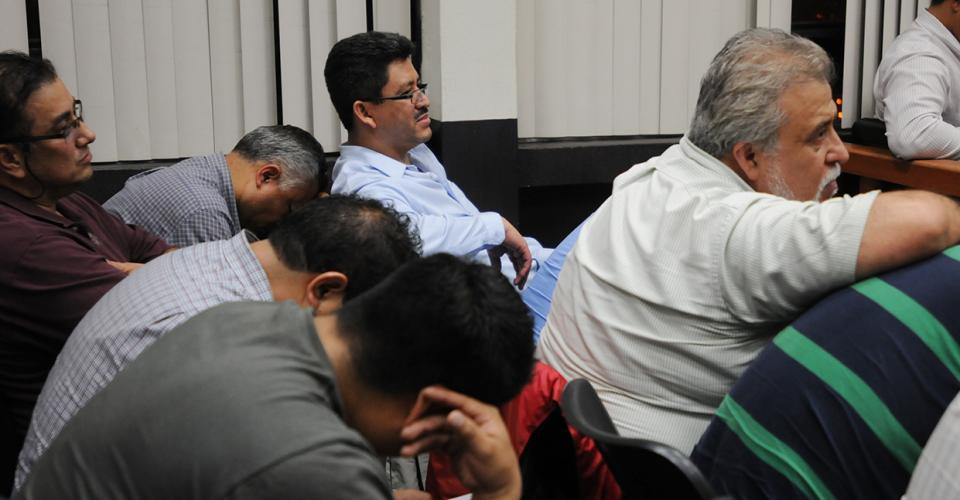 Doce funcionarios públicos y 10 particulares conformaban la red que defraudaban al fisco desde las aduanas. Entre ellos el superintendente de la Sat, Álvaro Omar Franco Chacón.