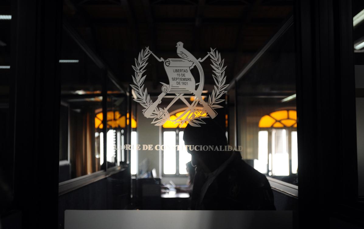 La resolución de la Corte de Constitucionalidad detalla que debe recibir las pruebas rechazadas por el juez Miguel Ángel Gálvez. Fotografías por Sandra Sebastián