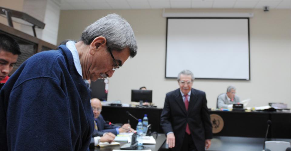 Los dos militares, en situación de retiro, acusados.
