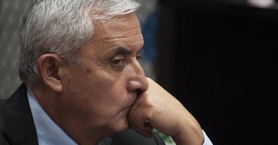 Otto Pérez Molina fue ligado a proceso penal y enviado a prisión preventiva por tres delitos: asociación ilícita, cohecho pasivo y casos especiales de defraudación aduanera.