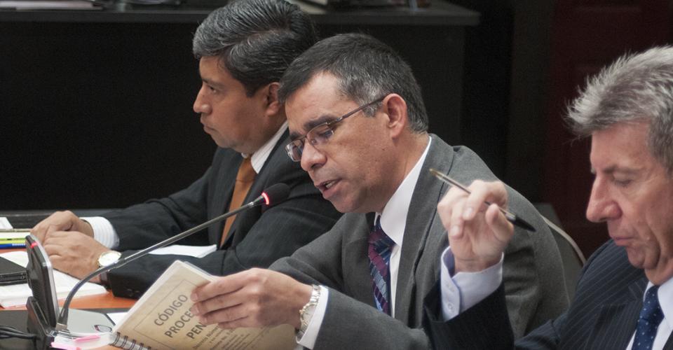 """""""Las pruebas contra Otto Pérez Molina no pueden entenderse solas sino todas en conjunto"""", dijo José Antonio Morales, de la Fiscalía Especial Contra la Impunidad (FECI), ante el juez Gálvez."""