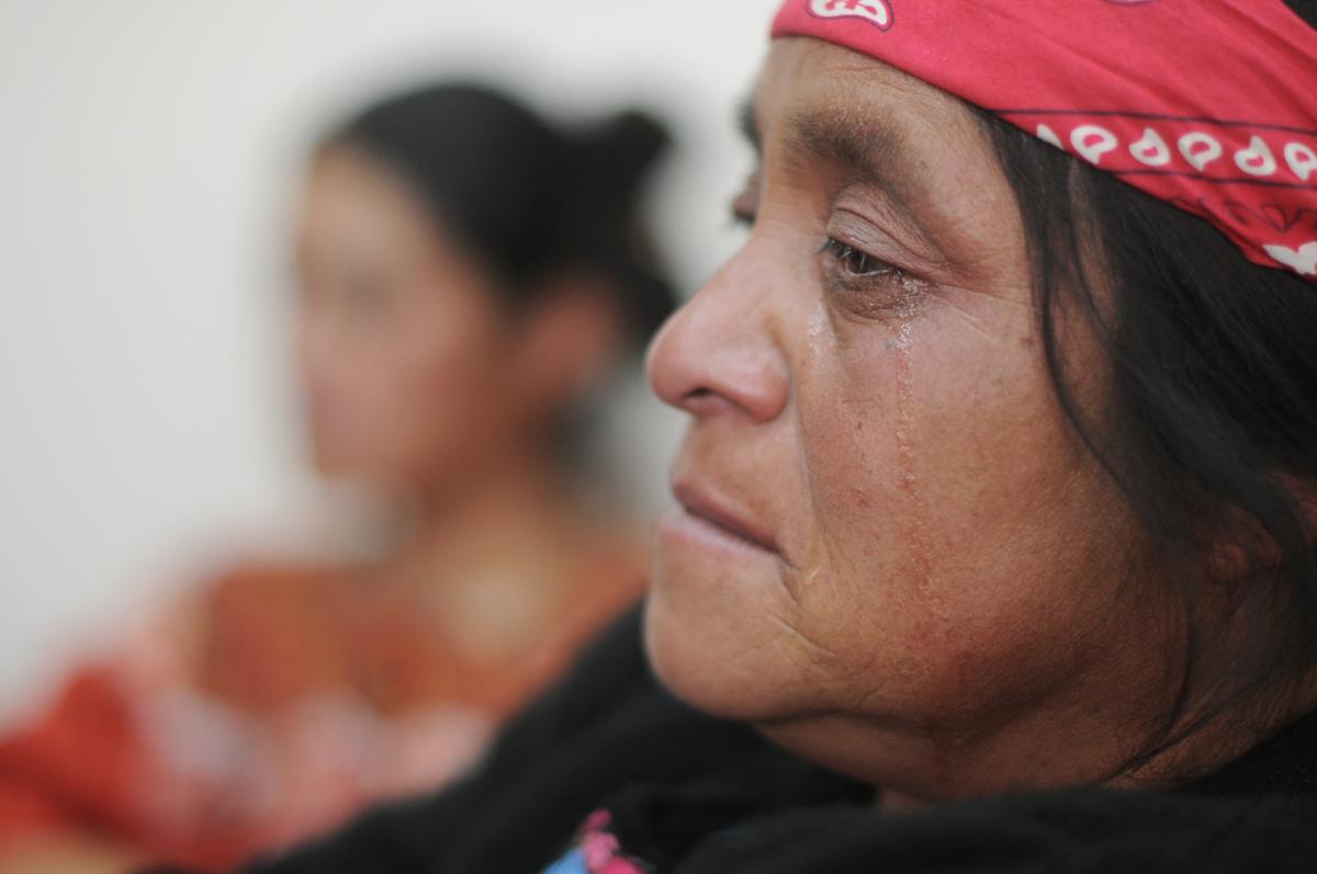 Las viudas de las víctimas asistieron a la audiencia.