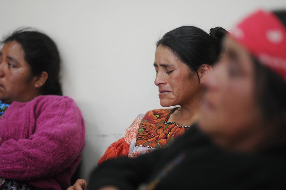 La narración de los hechos provocó el llanto entre las viudas de las víctimas.