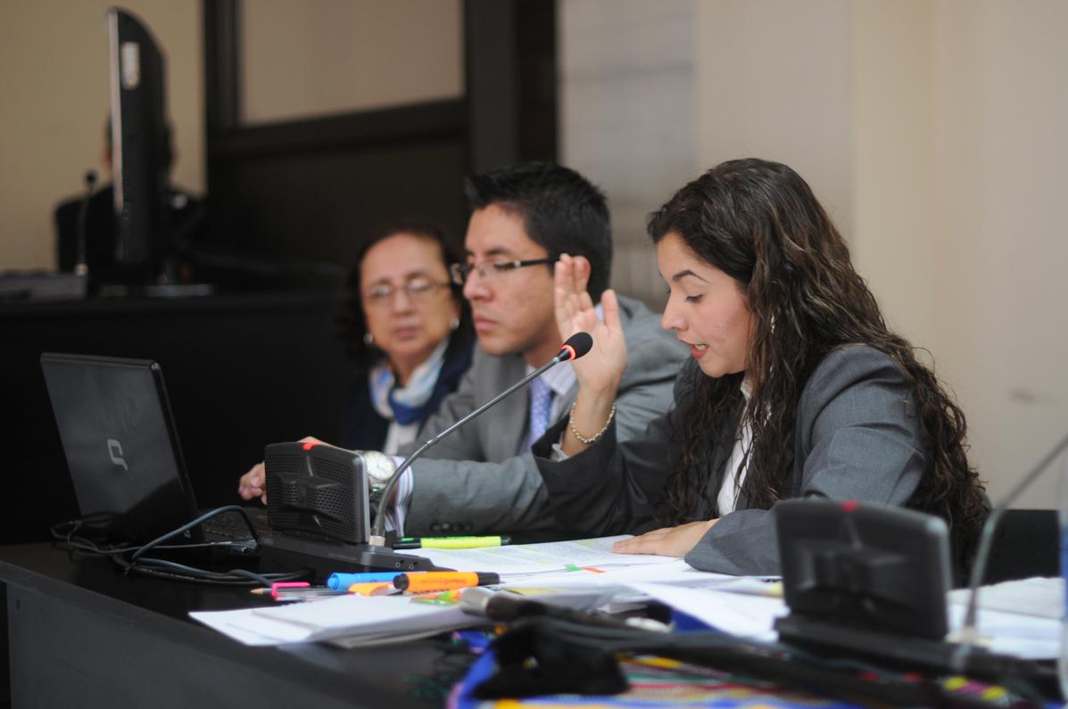 La fiscal del MP, Aida Granillo, lee el escrito de acusación.