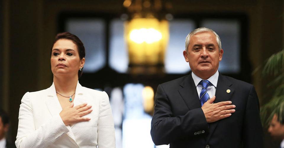 La condescendencia con la vicepresidenta Roxana Baldetti, y otros funcionarios, acentuó la ineptitud de Pérez Molina para llenar el perfil del mandatario.