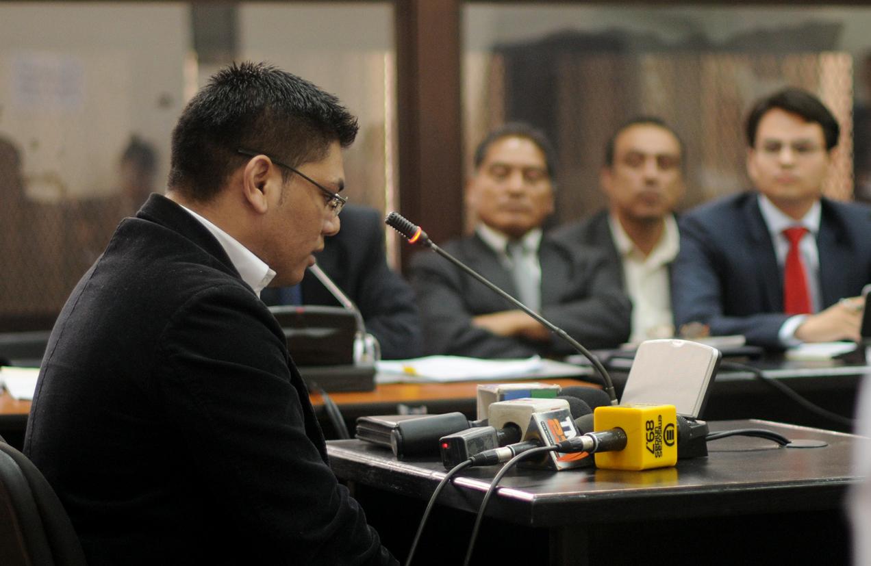 Ricardo Arturo García López da su testimonio ante los jueces. Fue considerado responsable de haber herido a Pablo Antonio Pablo.