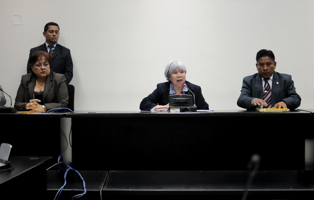 Los jueces no encontraron pruebas para condenar a García López y a Ortiz Solares por la muerte de Andrés Pedro Miguel. Ordenaron al Ministerio Público que continúe con la investigación del crimen.