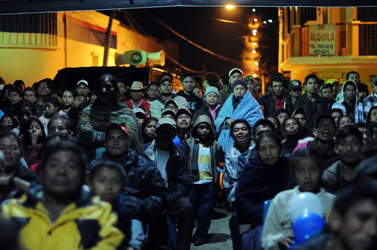 Muchos no durmieron en San Cristóbal para ver al deportista.