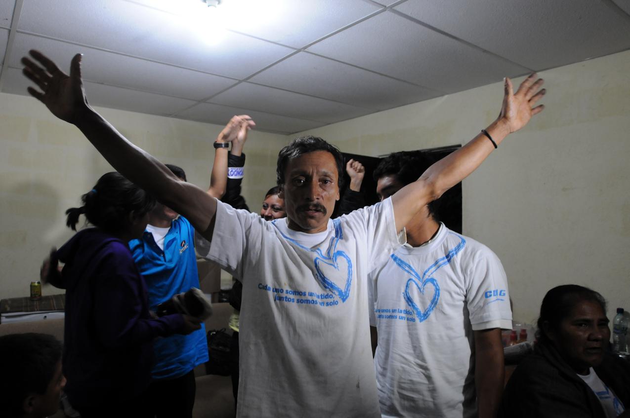 El padre de Barrondo celebra los logros de su hijo.