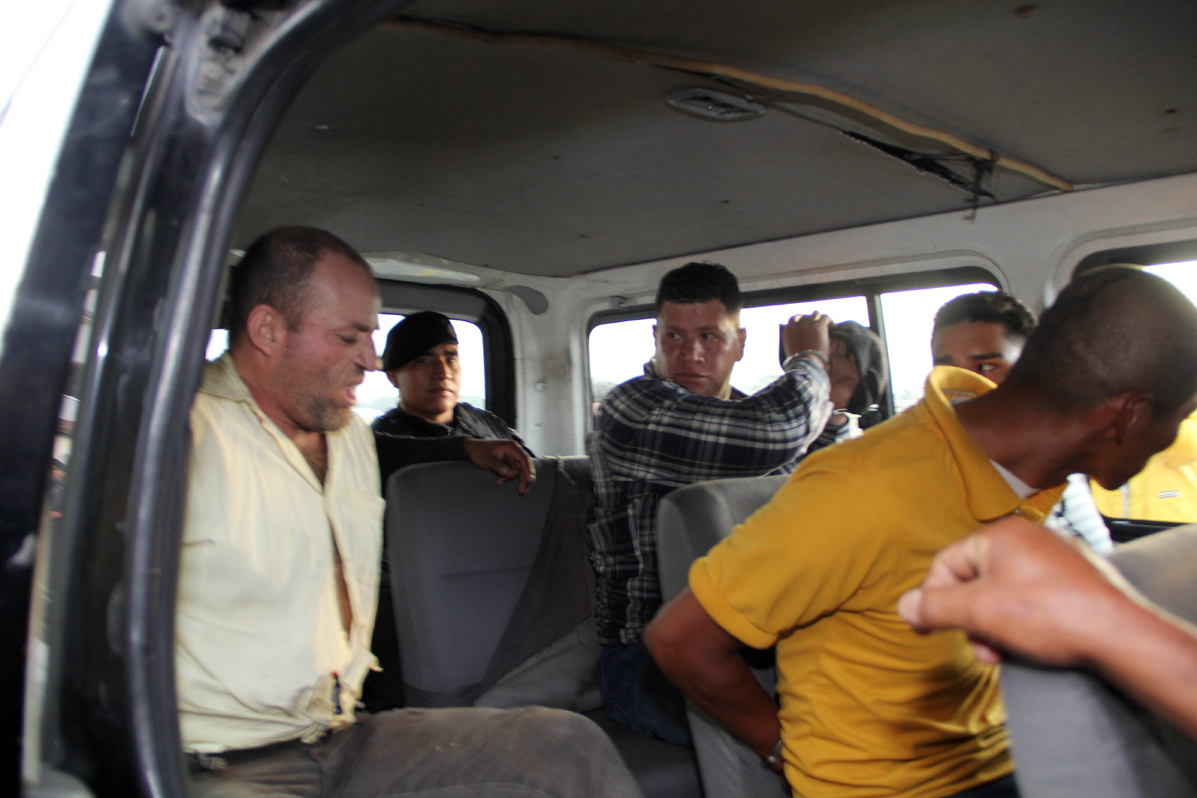 La Policía Nacional Civil capturó a nueve personas sindicadas del ataque a nueve policías en Salcajá.