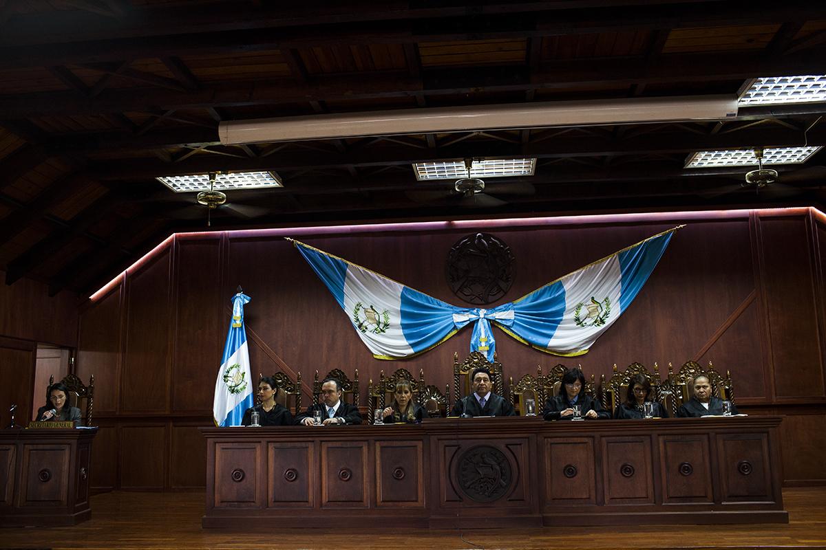 Pleno de magistrados de la CC, durante una audiencia pública.