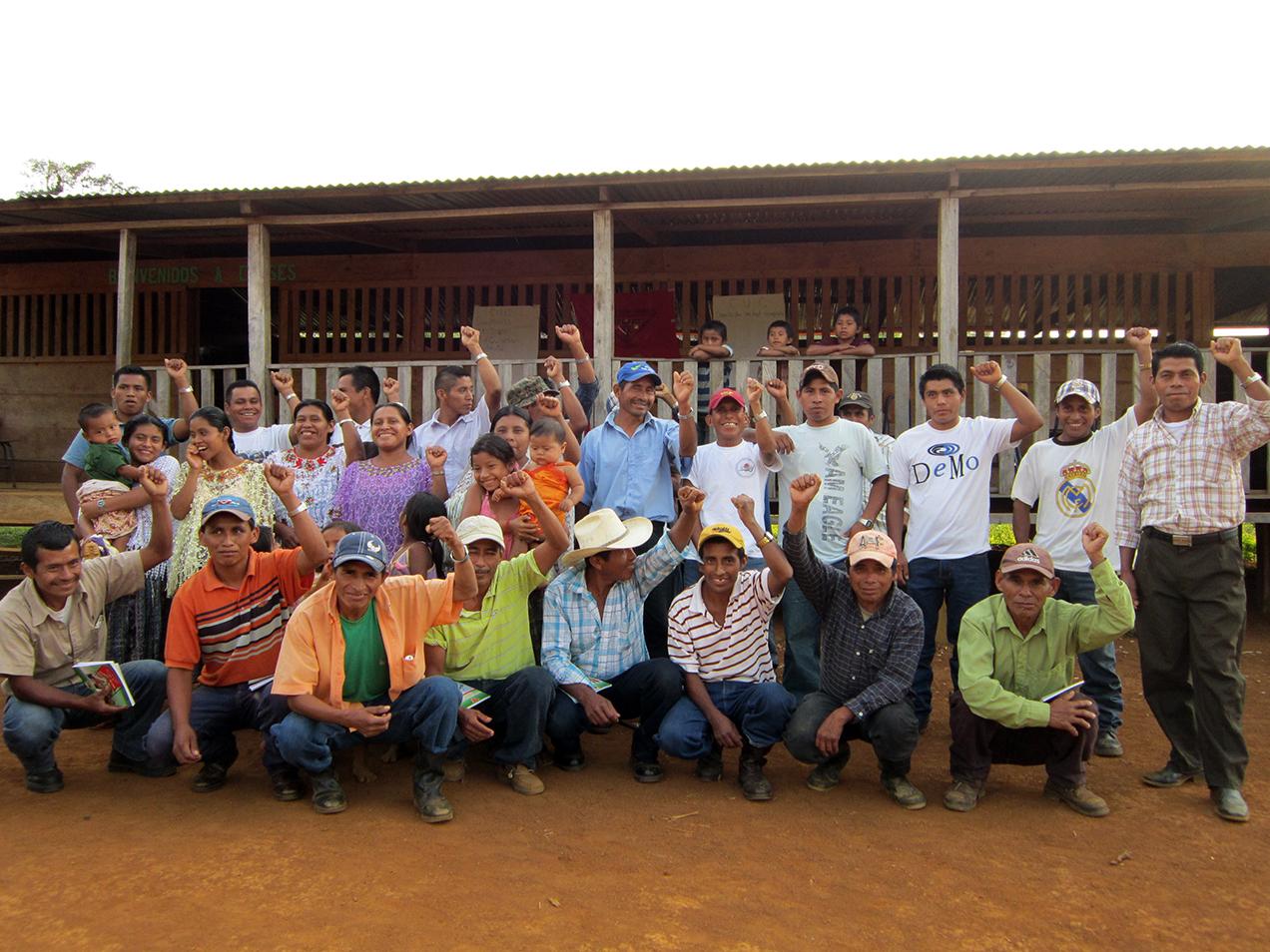 La comunidad Se' Y'abal inició el proceso para reclamar la titularidad del terreno en 1965, como parte de los procesos de colonización impulsados por el Instituto Nacional de Transformación Agraria (INTA).