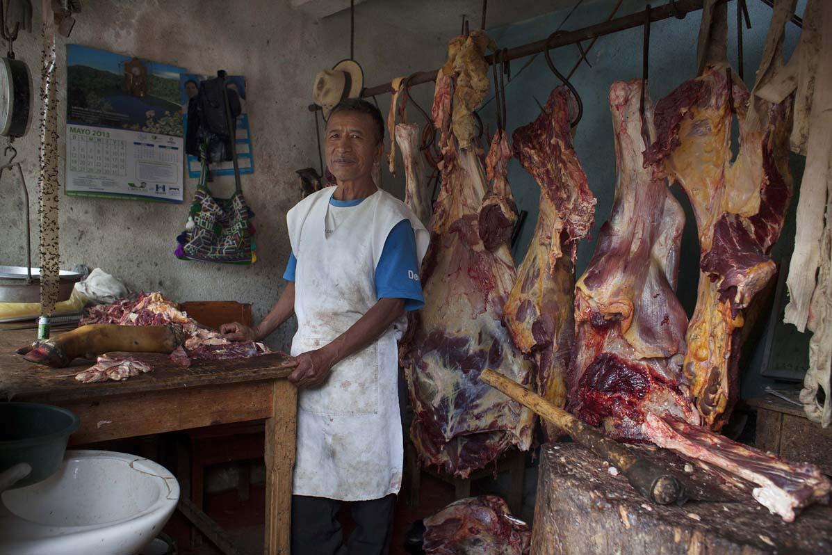 """Juan Raymundo, de 73 años vivió dos años en las montañas. En 1983 regresó a Acul, convertida en """"aldea modelo"""", donde aceptó formar parte de la Patrulla de Autodefensa Civil, PAC."""