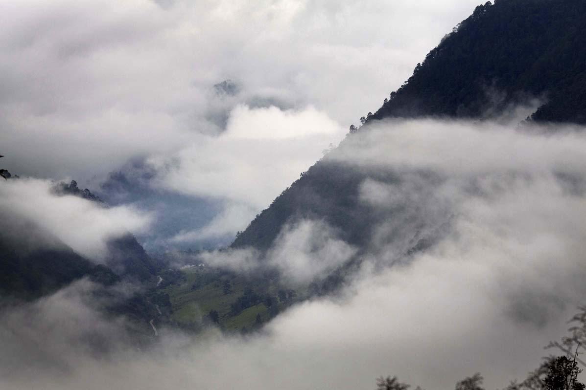 Vista del camino que lleva a Acul desde la localidad de Xecoxó, en los alrededores de Tzalbal.