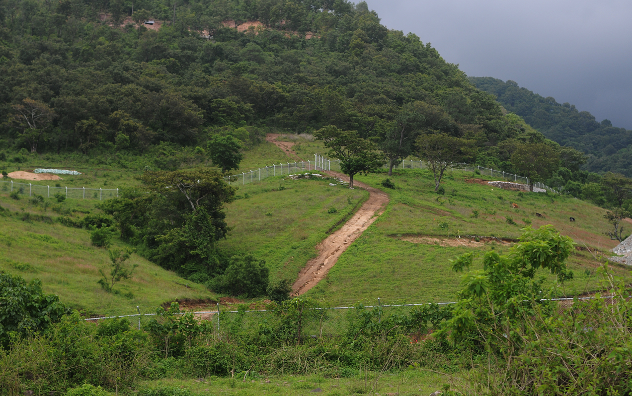 Vista general del lugar donde opera la Minera San Rafael.