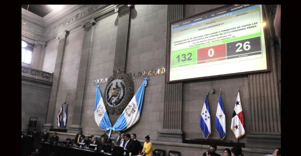 !32 votos a favor para que se le retire la inmunidad al presidente Otto Pérez Molina.