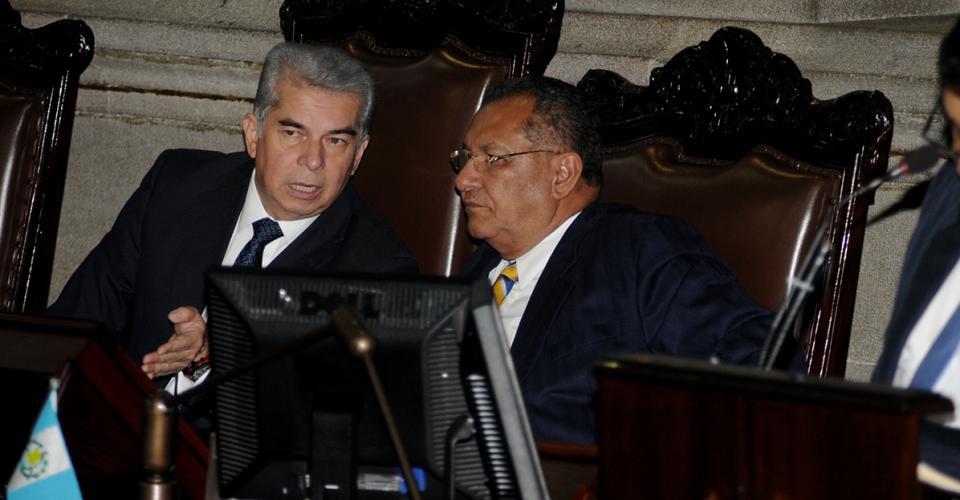 Luis Rabbé, miembro del partido Lider junto a Arístides Crespo, integrante del Partido Patriota.