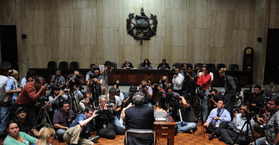 Ríos Montt en el estrado en donde también estuvieron los testigos que declararon en su contra.
