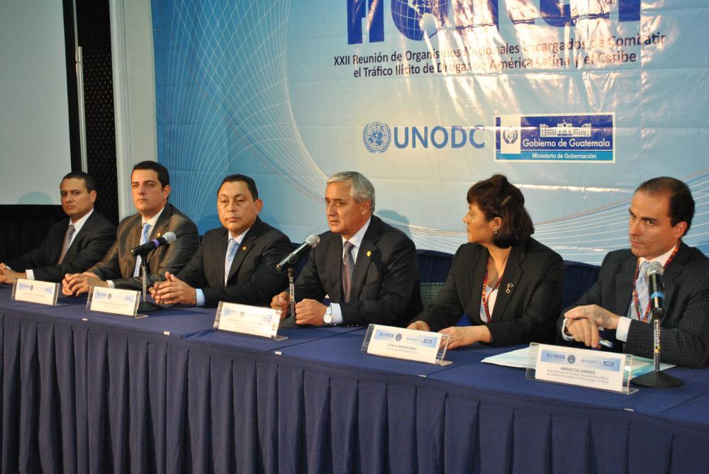 Conferencia de prensa tras inauguración
