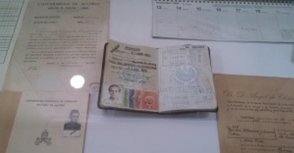 Foto del pasaporte de Ignacio Ellacuría, expuesto en el museo dedicado a los mártires de la UCA en el campus universitario. [Héctor Silva Avalos]
