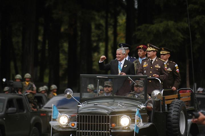 Otto Pérez Molina cuando fue nombrado Comandante General del ejército de Guatemala.