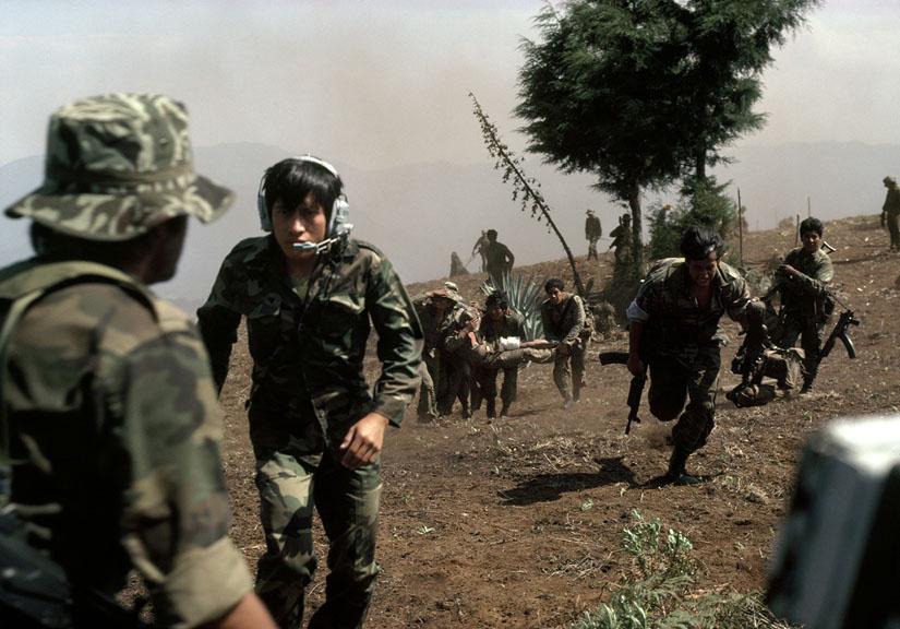 Evacuación de soldado herido cerca de Santa Cruz del Quiché.