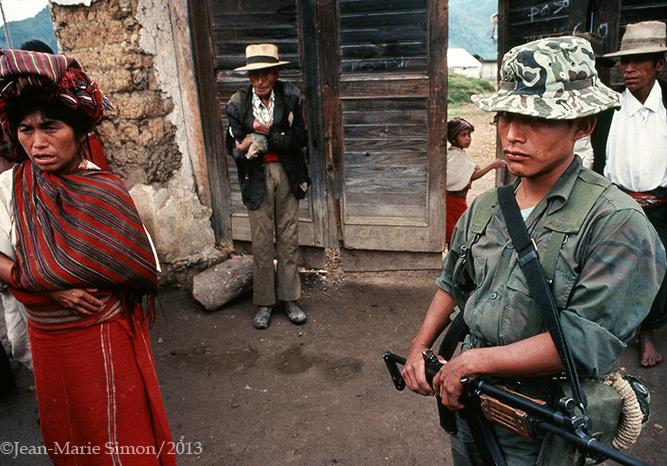 Entrada a centro de detención, Nebaj, Quiché.