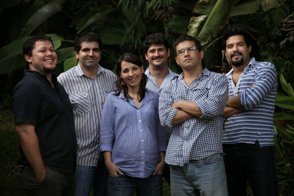 De izquierda a derecha, Daniel Valencia, Roberto Valencia, Marcela Zamora, José Luis Sanz, Carlos Martínez y Óscar Martínez.