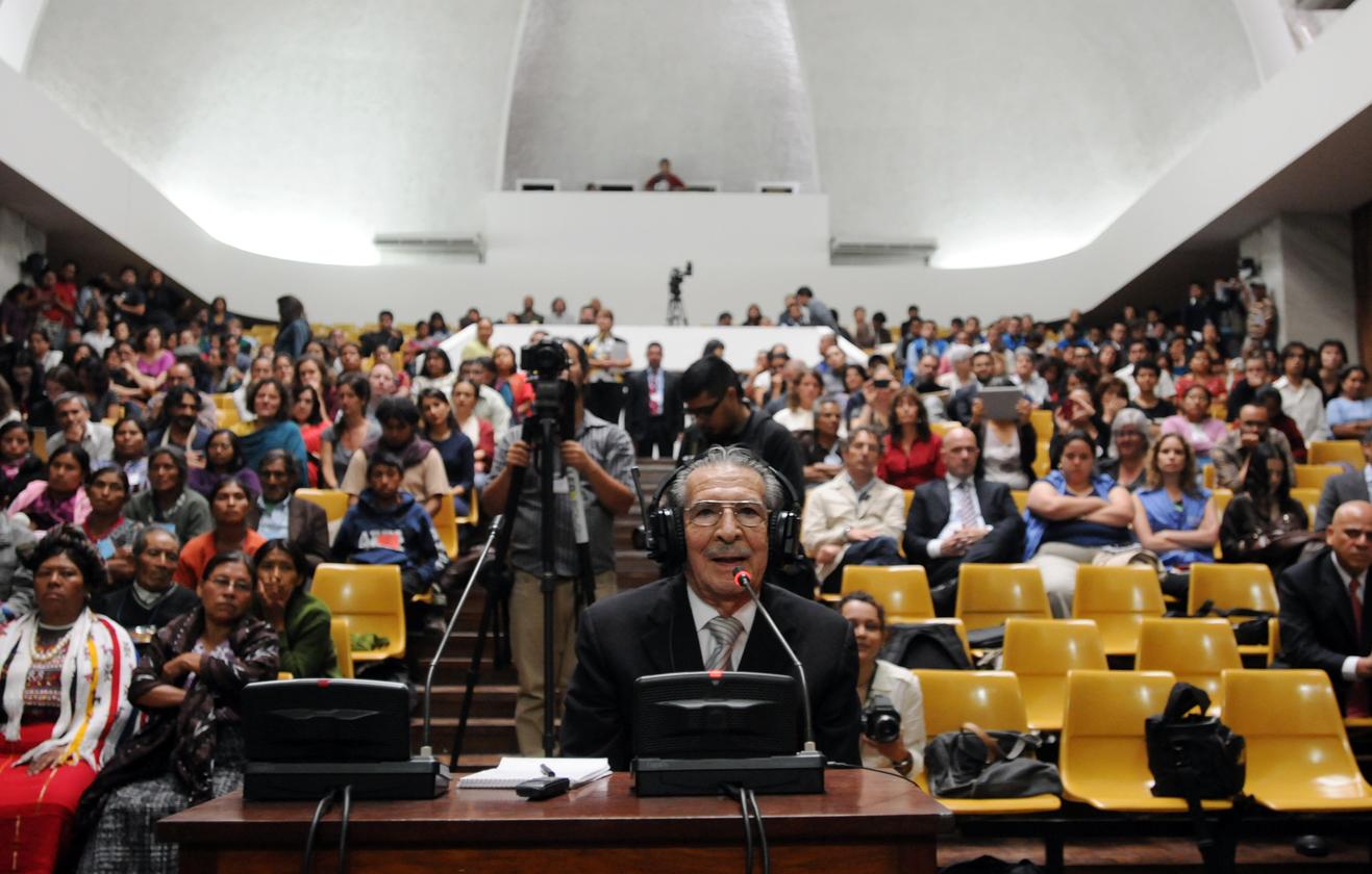 Ríos Montt fue llamado a declarar como lo hizo en el primer día del debate. Se abstuvo, pero indicó que había escuchado toda la acusación.