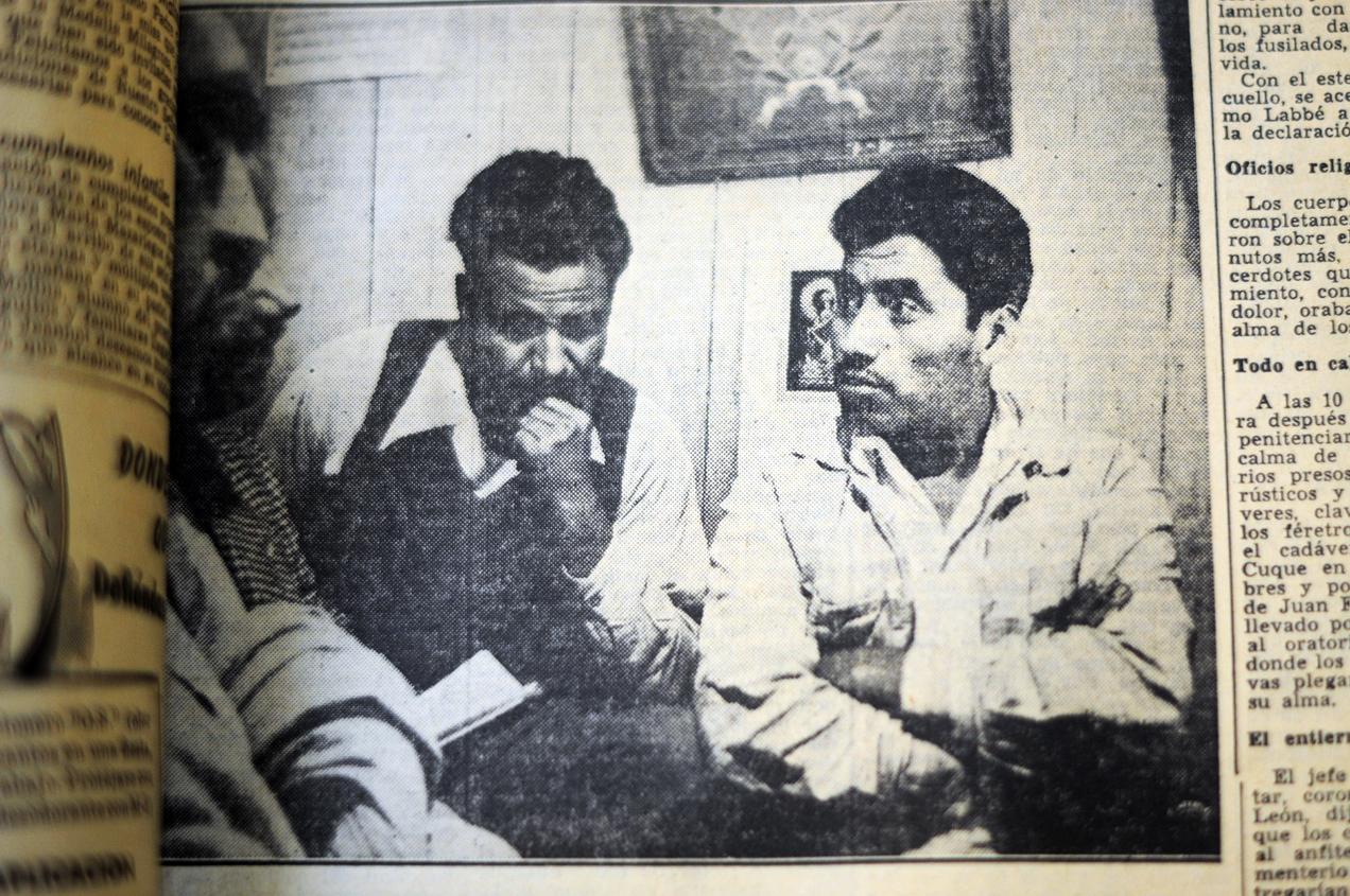 Los reos por genocidio Juan Francisco Pineda García y Margarito Tecún Cuque antes de su fusilamiento.