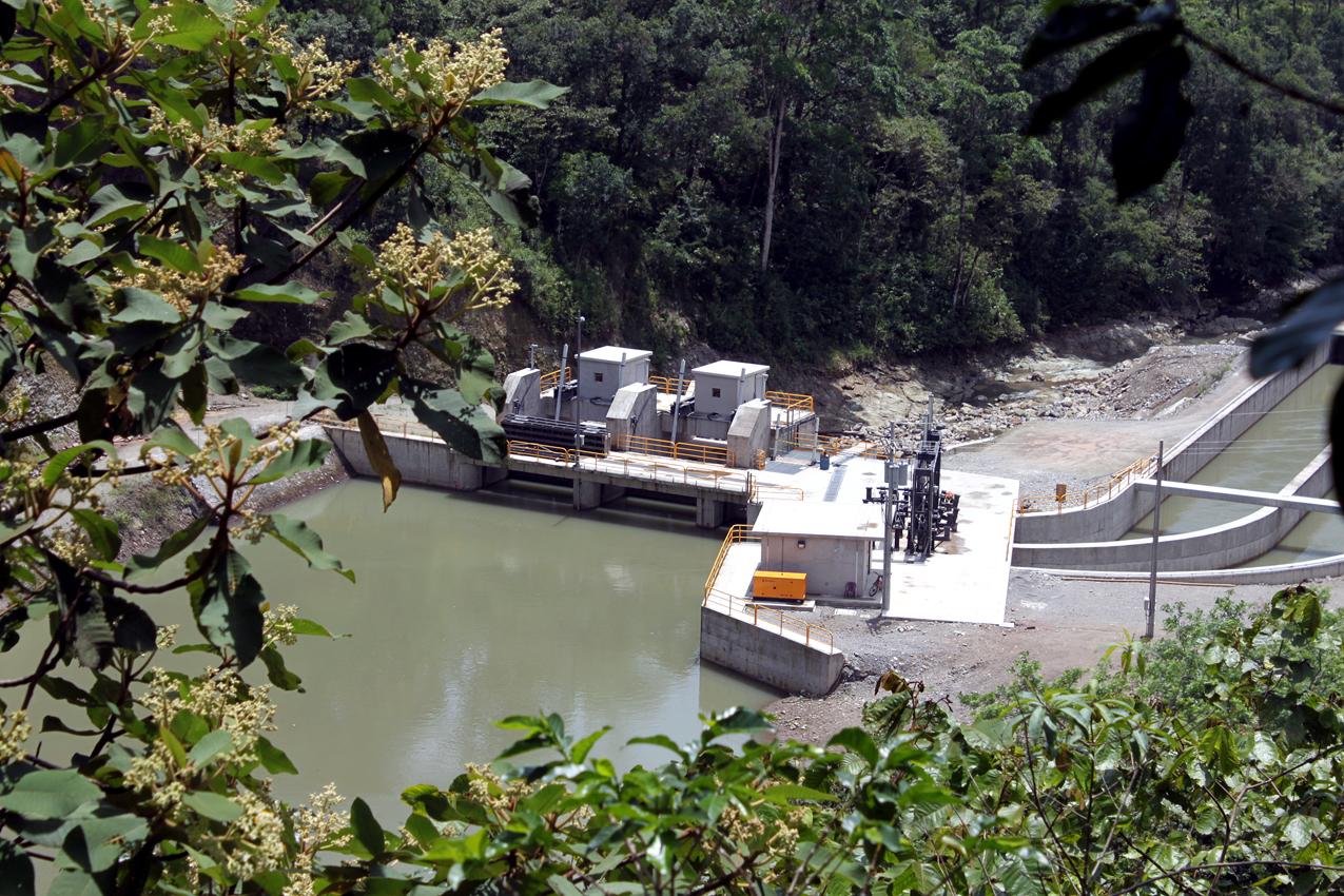 Vista de la hidroeléctrica. Foto de Dennys Mejía