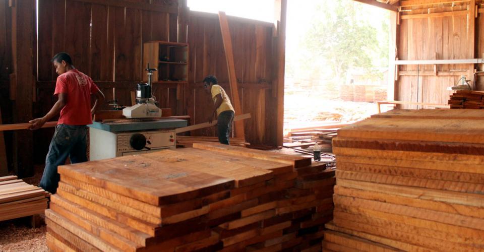 Taller de carpintería instalado por la cooperativa