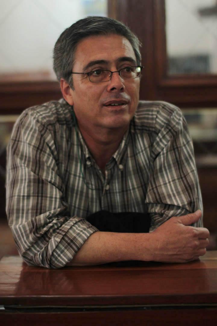 José Luis Perdomo, escritor, ha trabajado como periodista, tanto en México como en Guatemala. Durante la feria participó en un conversatorio sobre literatura guatemalteca junto a Enrique Noriega.