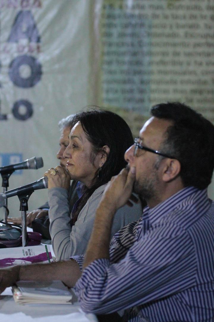 Aida Toledo presentó su libro Nada que ver, la antología de su obra completa editada por la Tipografía Nacional en 2011, junto a Enrique Noriega y Javier Payeras.