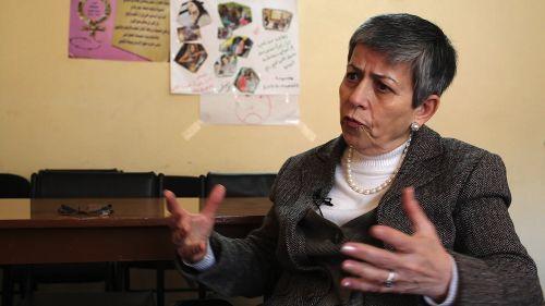 La lideresa iraquí Hanaa Edwar durante la entrevista.   Crédito: Karlos Zurutuza/IPS