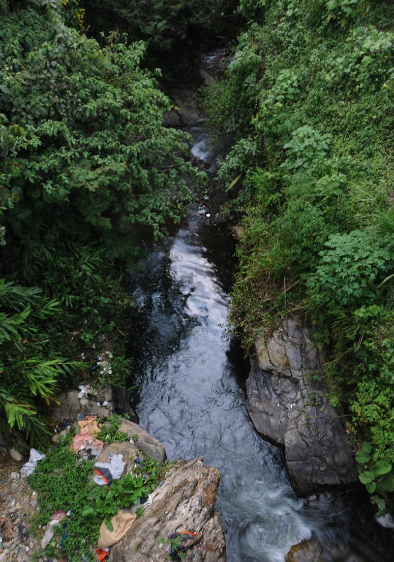 En ese río fueron lanzados los masacrados. Hubo una sobreviviente.