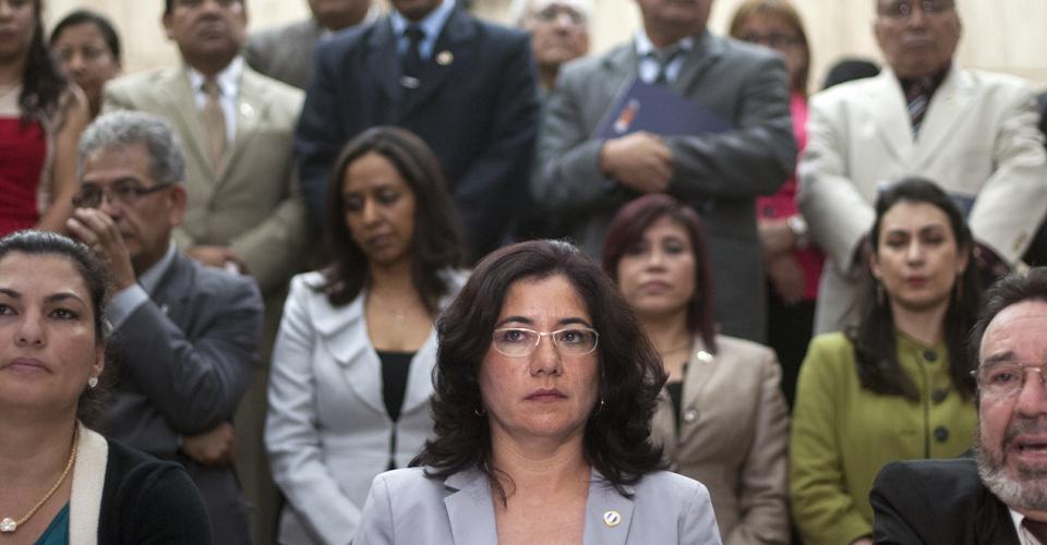 La magistrada de la Sala Quinta de Apelaciones, Claudia Escobar, renunció a su reelección para el cargo que ocupa por supuestas irregularidades durante el proceso de elección de magistrados.