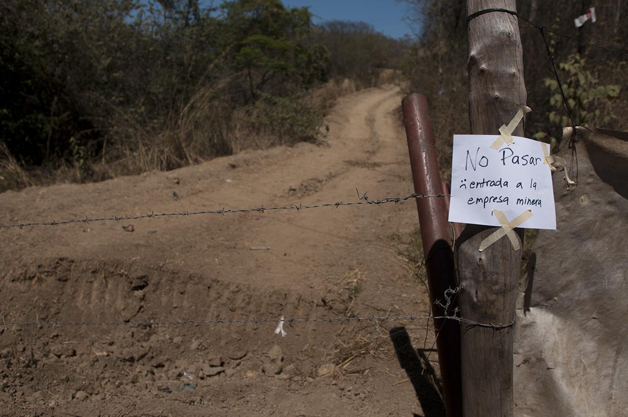 Quienes resisten dicen que dejaran de hacerlo hasta que la licencia de la mina caduque, y cuando vean que esos terrenos los tengan otras personas. Entonces, se hablará de descanso.
