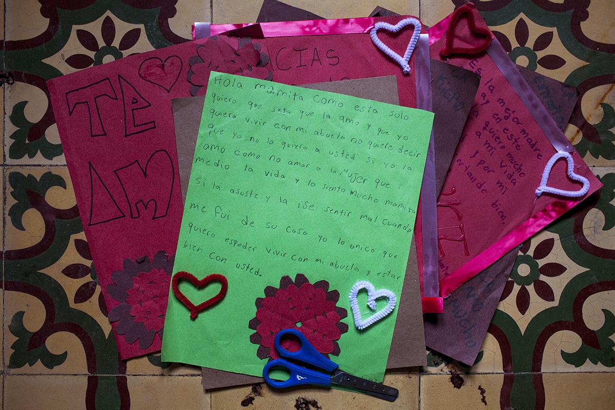 La carta escrita por una joven a su mamá, en una sesión de terapia psicológica.