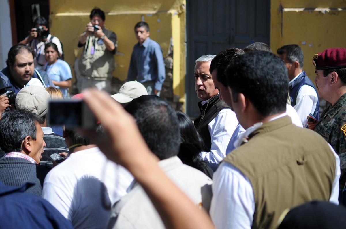 El presidente Otto Pérez visitó las zonas afectadas de la cabecera de San Marcos.