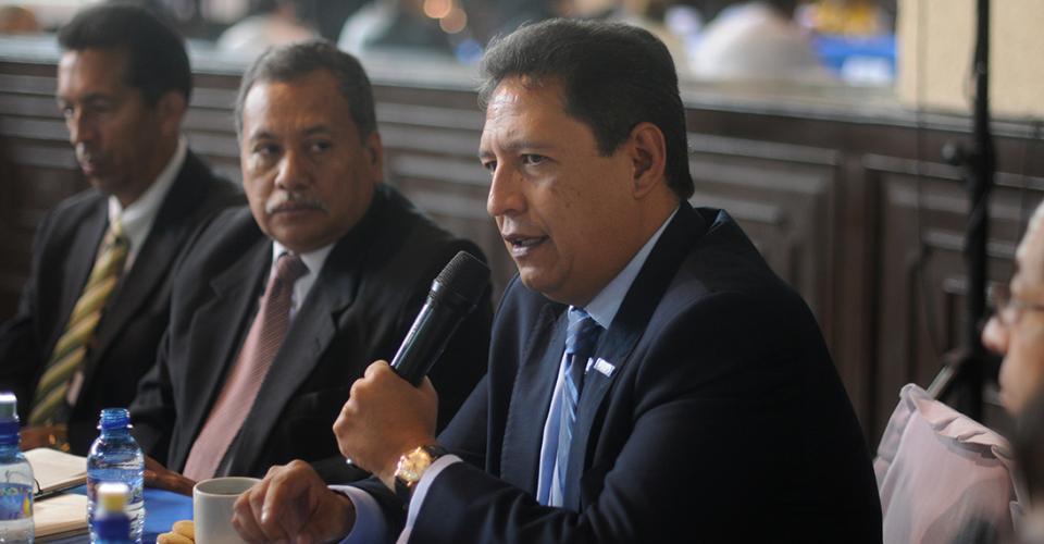 Mariano Rayo, ministro de Salud, dijo que la adjudicación a Sabiapharma, S.A. muestra bastantes indicios de varios delitos.