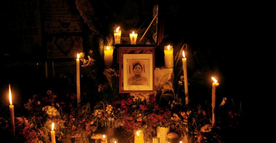 Martina Rojas, enterrada en una fosa común junto a otras personas, fue velada y llevada a una tumba con su nombre.