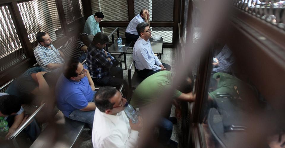 Varios funcionarios públicos, militares y vistas de Aduanas fueron detenidos por formar parte de una red criminal de defraudación aduanera.
