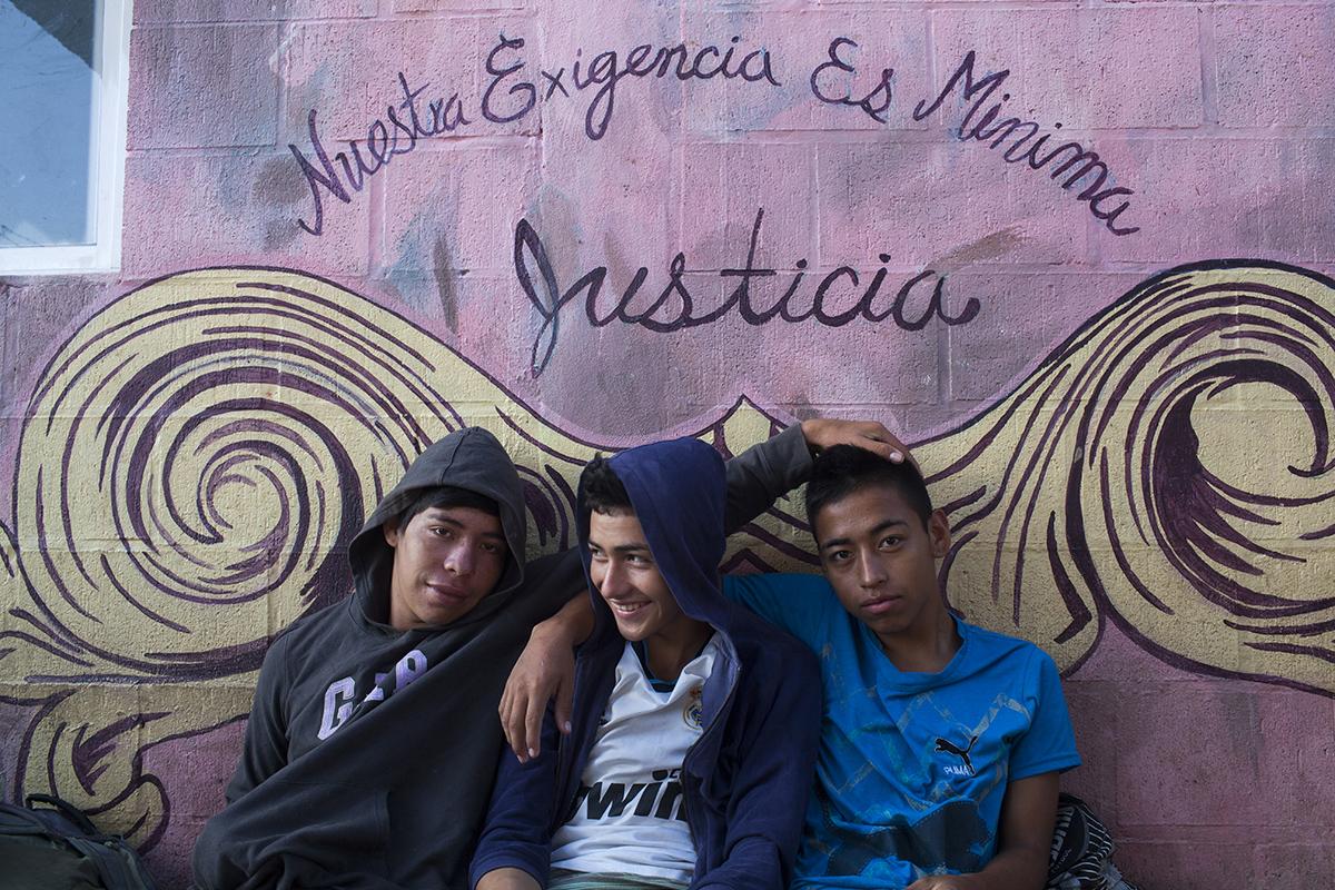 Ágner, Josué y Wilson, originarios de Copán, Honduras: migran al norte en búsqueda de mejores oportunidades económicas.