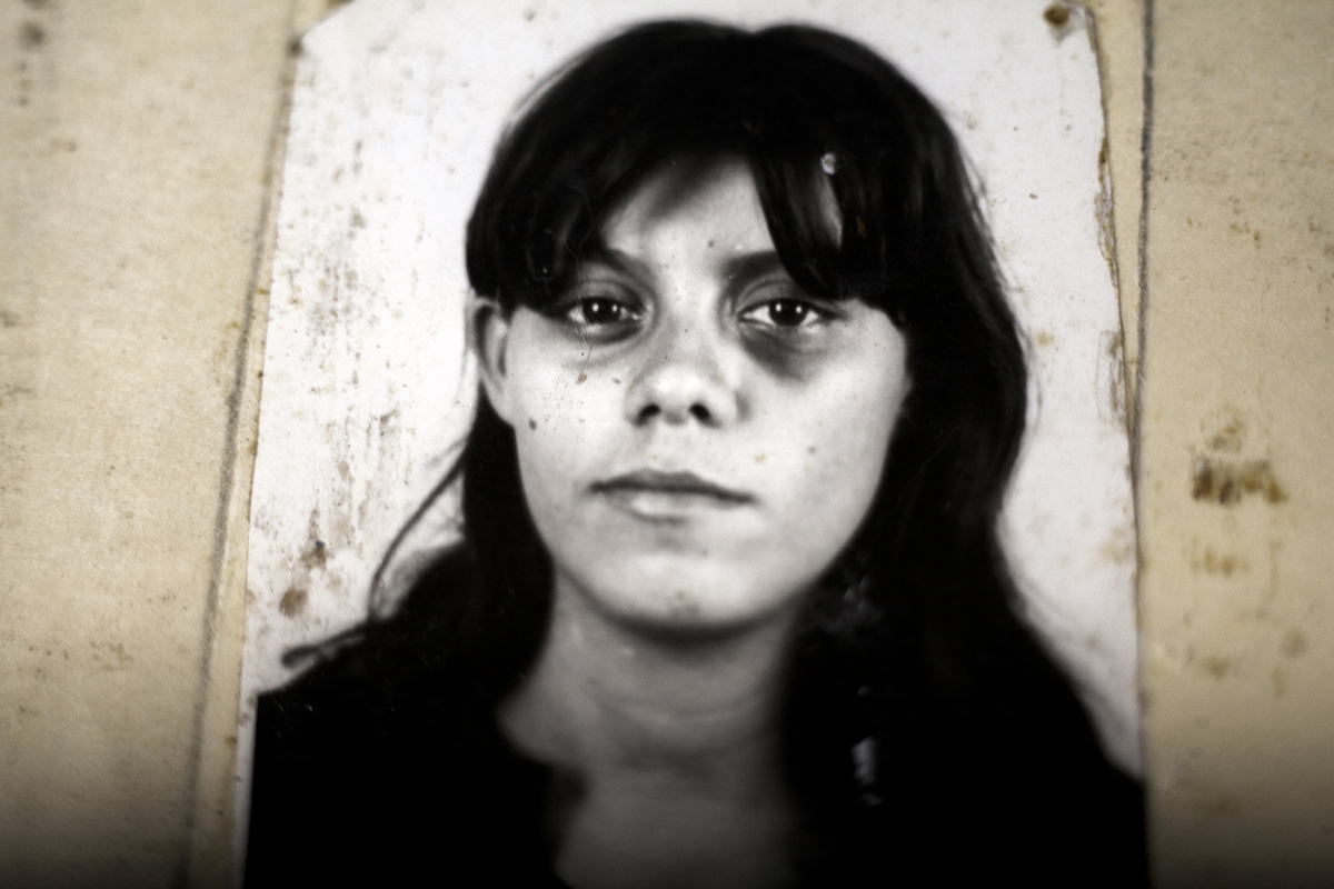 Rosa Estela Zuniga, detenida por ser posera indocumentada